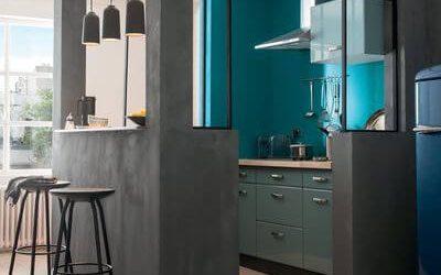 Entre la cuisine et le salon, cloison ou verrière